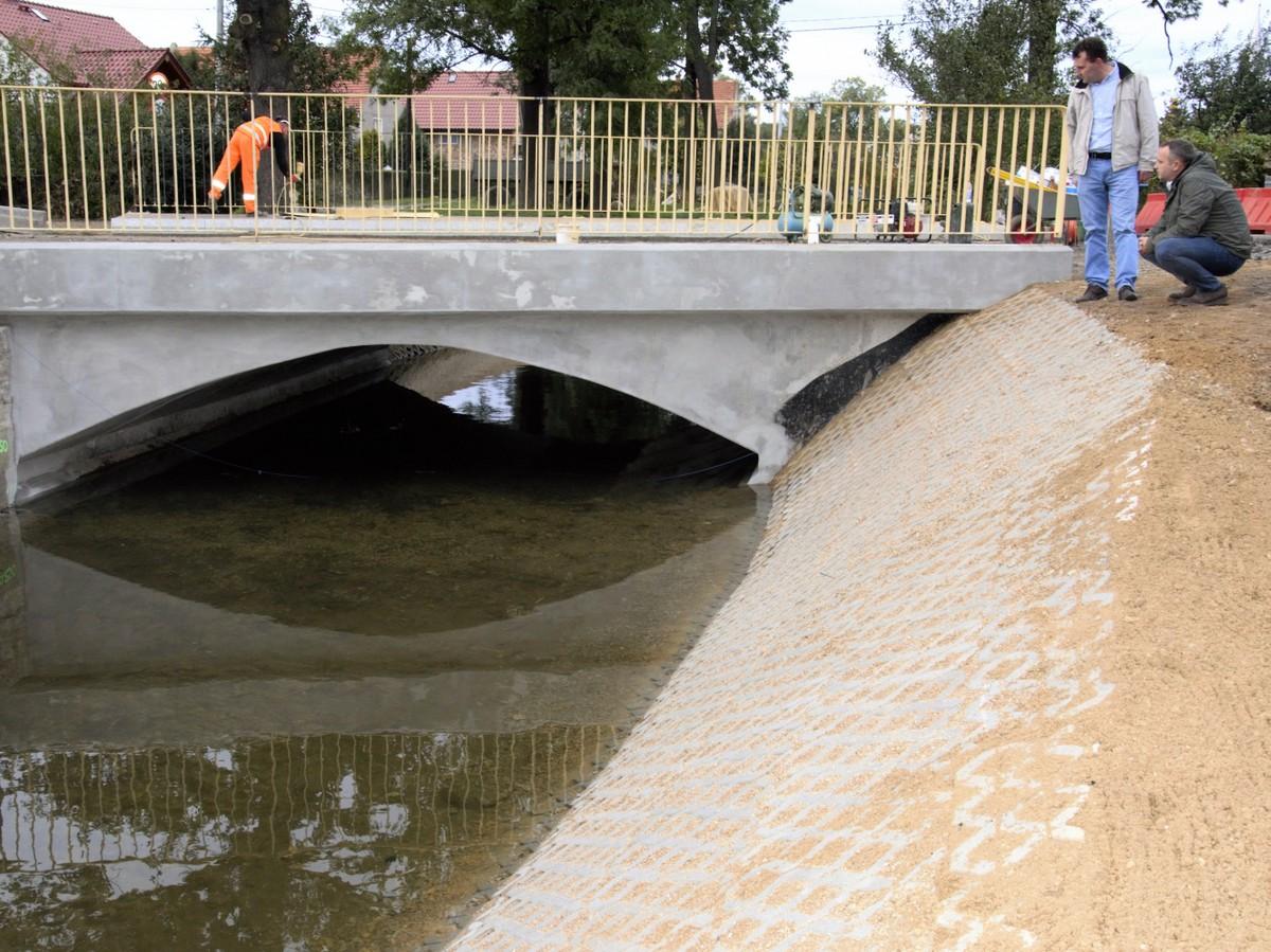 Ilustracja do informacji: Szansa na lepszą infrastrukturę drogową